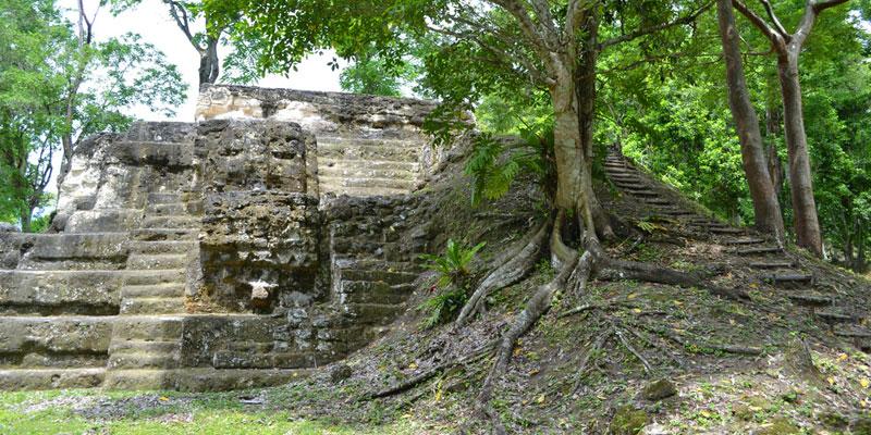 Sitio Arqueológico Uaxactún Petén