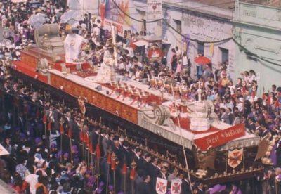 procesion antigua de jesus nazareno de los milagros