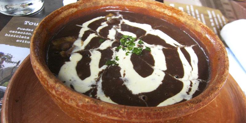 Receta para hacer sopa de frijol guatemalteca