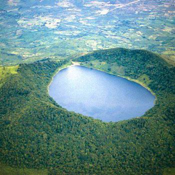 laguna volcan ipala