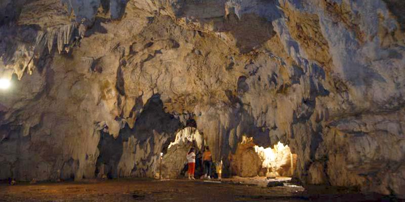 Cuevas de Actún Kan en Petén