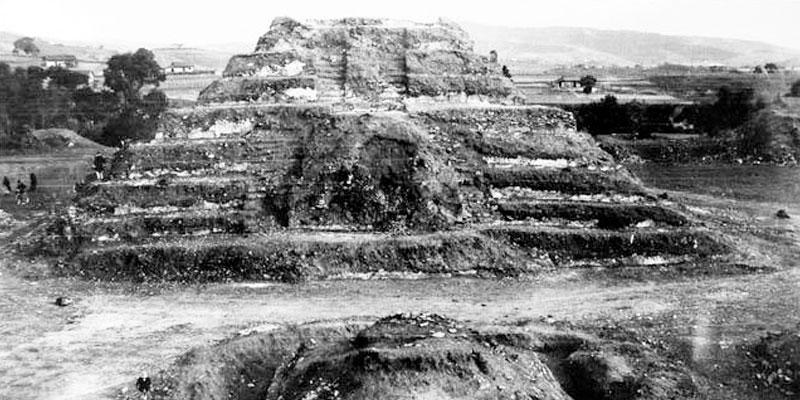 Descubrimiento de las ruinas de Zaculeu