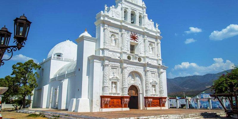 Iglesia de San Cristóbal Acasaguastlán en El Progreso