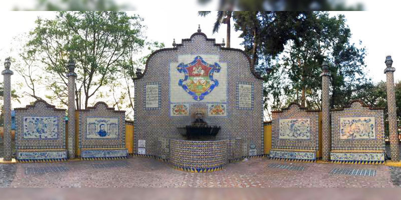 Plaza mexicana en el Cerrito del Carmen