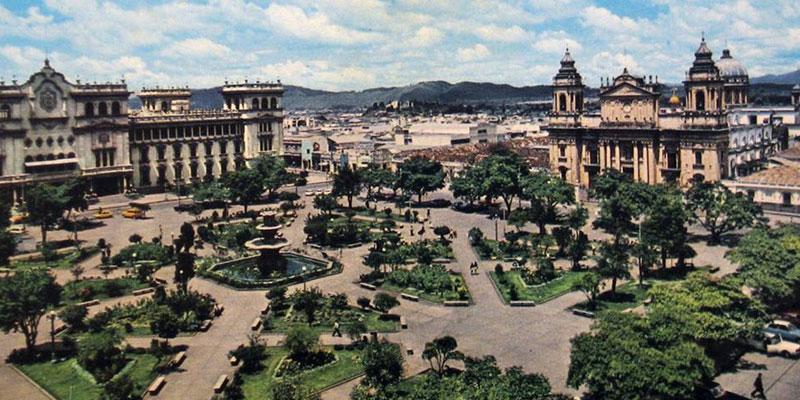 como era el parque central en guatemala