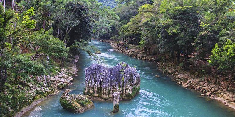 Resultado de imagen de río Cahabón Guatemala imágenes