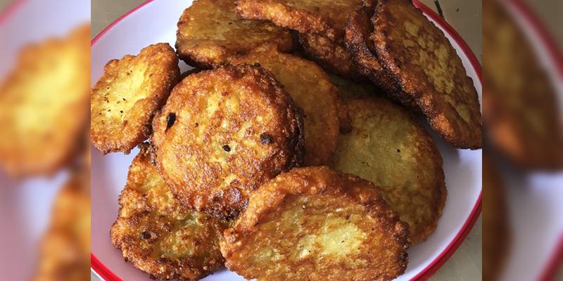 Receta para hacer tortitas de yuca fritas de Guatemala