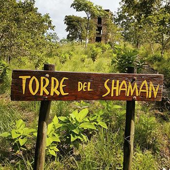 La torre del Shamán en la Hacienda Tijax, Izabal