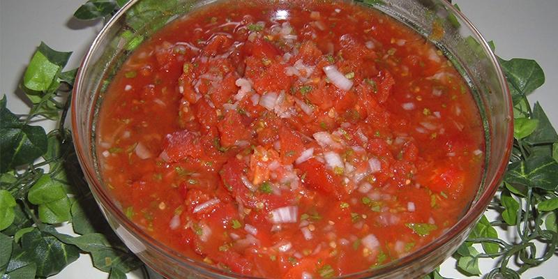 Receta para hacer chirmol con chaya guatemalteco