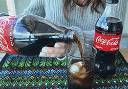 Disfruta tus comidas con Coca-Cola Original y Sin Azúcar