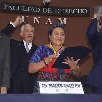 Biografía de Rigoberta Menchú