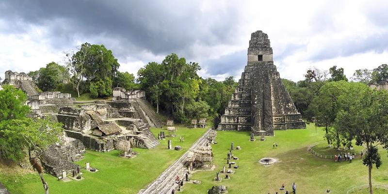 Pirámides mayas en Guatemala