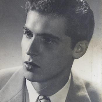 Biografía de Roberto Ossaye