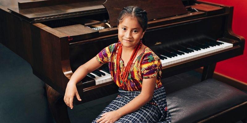 Biografía de Yahaira Tubac, pianista guatemalteca