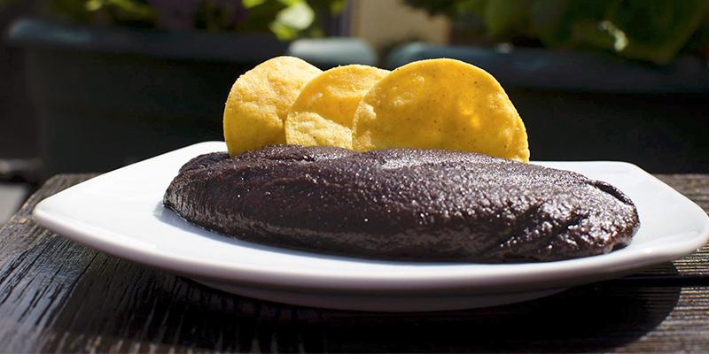 Receta para hacer frijoles volteados guatemaltecos