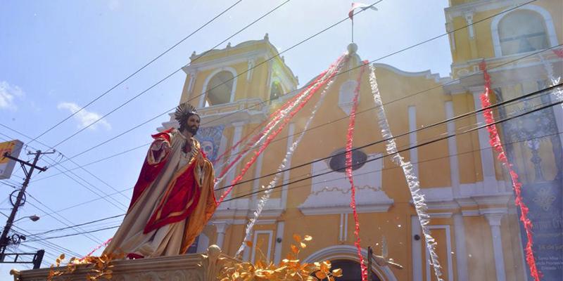 Parroquia de la Santa Cruz del Milagro en la Ciudad de Guatemala