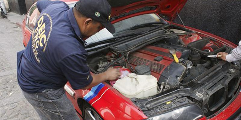 Cómo hacer un expertaje de vehículo en Guatemala