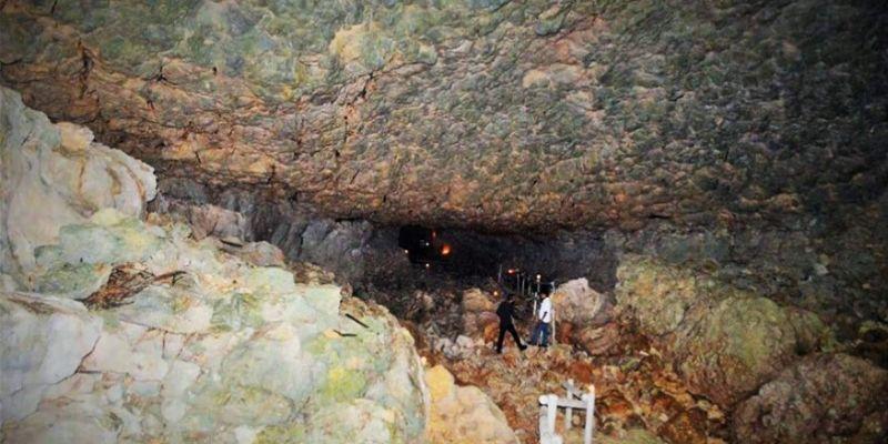 cueva del tigre en izabal guatemala