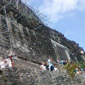 templo IV serpiente bicéfala crestería