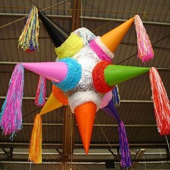 historia-piñatas-guatemala-siete-picos-origen
