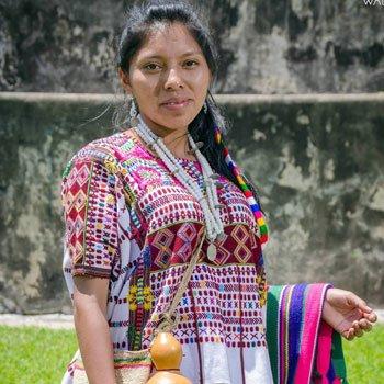 letra-del-himno-nacional-de-guatemala-en-idioma-mam-san-ildelfonso-huehuetenango-traje-regional