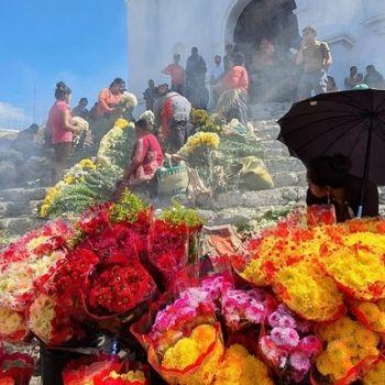 mercado-chichicastenango-quiche-colorido-famoso-iglesia-santo-tomas