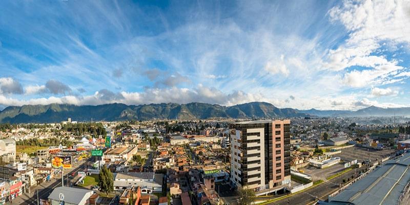 Quetzaltenango, cabecera departamental de Quetzaltenango - Descripción - vista de la ciudad de Quetzaltenango y el panorama natural - crédito - SkyscraperCity