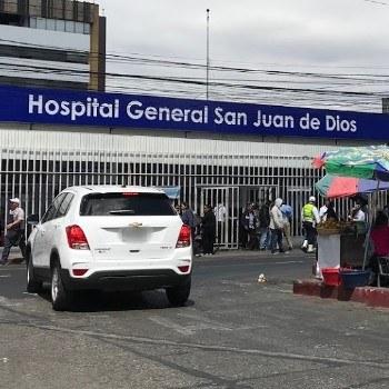 biografia-hugo-pezzarossi-medico-guatemalteco-hospital-san-juan-de-dios