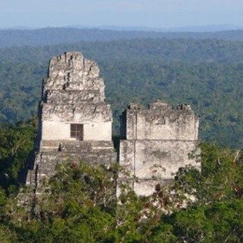 gran-plaza-tikal-peten-gran-jaguar-templo-ii-mascaras