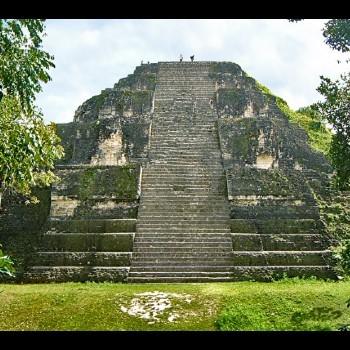 plaza-mundo-perdido-tikal-peten-estructura-5c-54