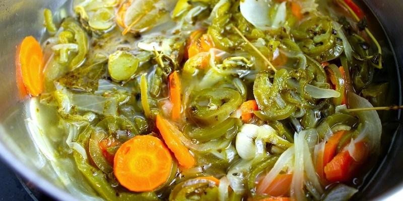 receta-hacer-chiles-jalapeños-escabeche-guatemalteco