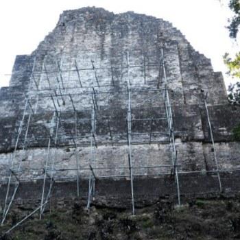templo-vi-templo-inscripciones-tikal-peten-cresteria