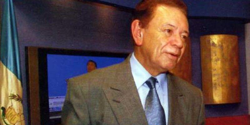 biografia-carlos-triana-locutor-guatemalteco