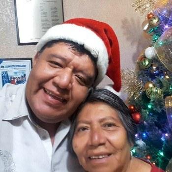 biografia-jairon-salguero-comediante-actor-guatemalteco-mamá-tere-costurera-familia