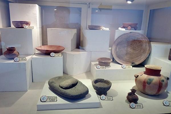 Exposición permanente sobre arqueología del Museo de Santiago Sacatepéquez