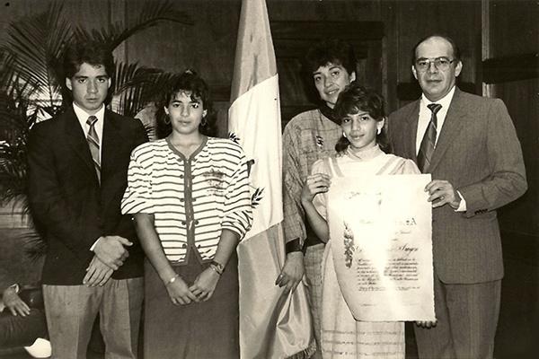 Diego Pulido con su esposa e hijos, Banco Industrial, Mis huellas memorias de un banquero