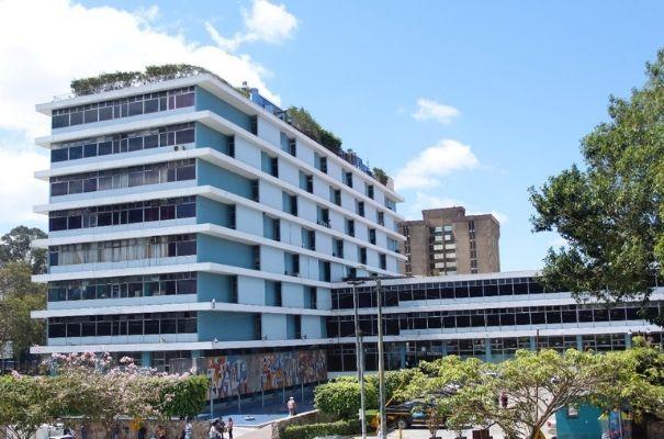 Edificio de oficinas centrales IGSS