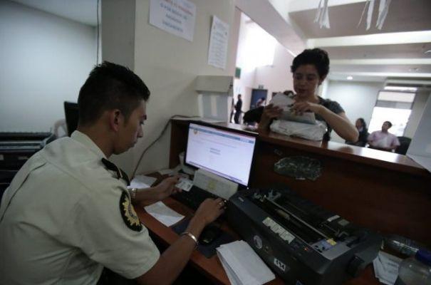 Gobierno de Guatemala, antecedentes policiales