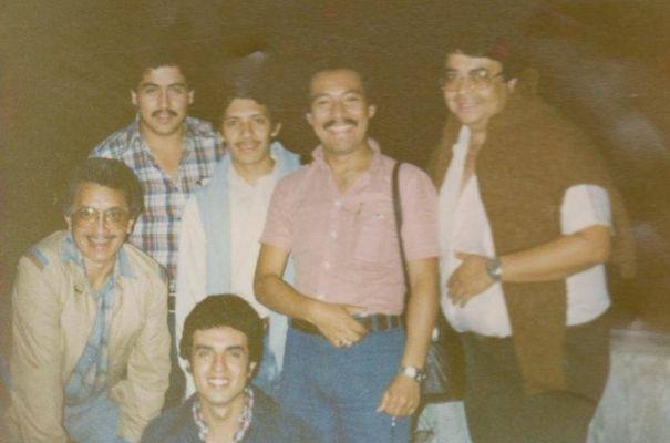 Guillermo con amigos