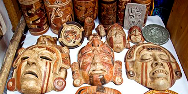 Historia de las máscaras de madera, máscaras - Foto, @GalasdeGuatemala