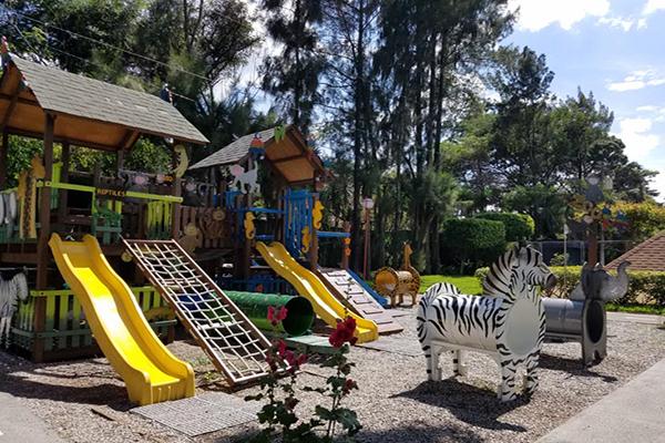 Museo de los Niños, juegos para niños exteriores, Foto BridgeandTunnelClub