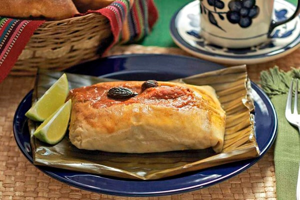 Receta para los tradicionales tamales de gallina - Foto @CipactlyChef