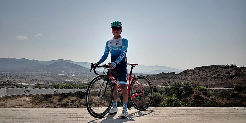 Biografía del ciclista Alfredo Ajpacaja, en Hidalgo, México - Foto Alfredo Ajpacaja