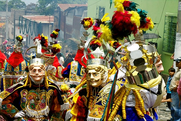 Danzas folclóricas de Guatemala - Foto Forum Guatemala