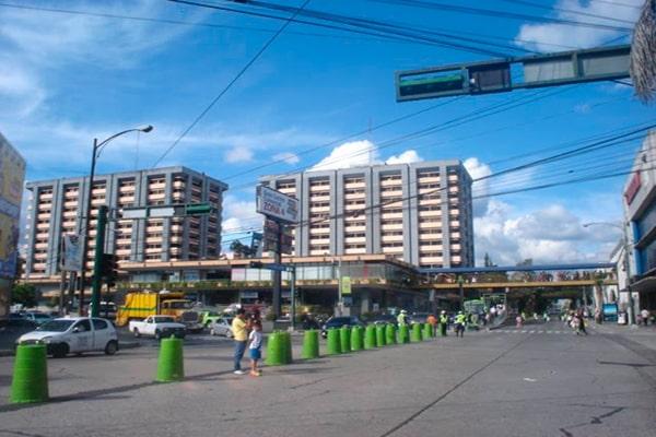 Historia del centro comercial zona 4 - Foto Mapio. Net