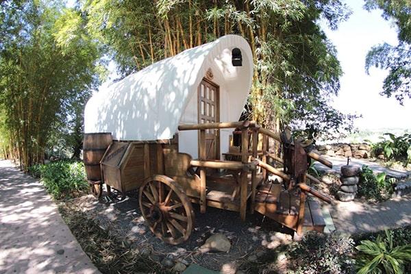 Cómo hacer reservaciones en Hostal Aldea de la Selva, carreta - Foto Hostal Aldea de la Selva