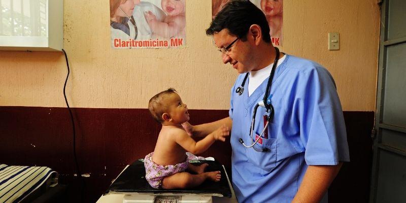 Día nacional del Médico en Guatemala, Oliver Aroche - Foto Anthony Asael