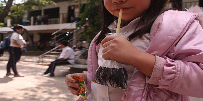 El Agua de bolsita de Guatemala - Foto El Faro