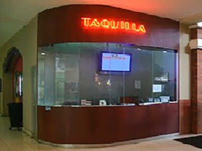 Historia de los antiguos cines de Centro Comercial los Próceres, interior 2011, - Andrés Mazariegos