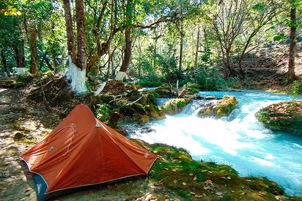 Las cascadas de guatemala, Cascada rio azul - Foto Airbnb